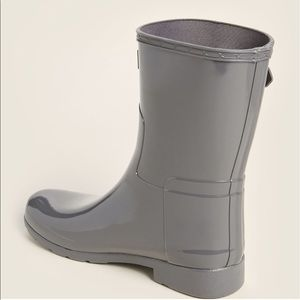 Hunter Shoes - NWB HUNTER Refined Short Gloss Rain Boots Stratus